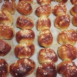 Mini Pretzel Broodjes 4