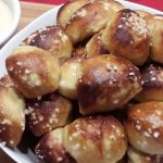 Mini Pretzel Broodjes 5