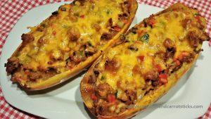 Spaghettipompoen - gevild met kipgehakt, groente en kaas