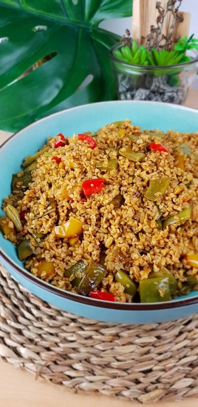 Geroerbakte groente met freekeh