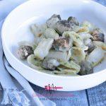 Pasta pesto met asperges en worst
