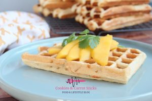 Verse wafels met mango en feta